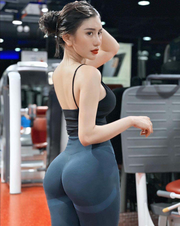 看完她的照片也想做运动了! 正妹「健身教练」魔鬼S曲线