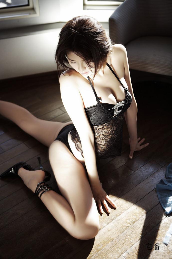 性感赛车皇后森下千里写真美腿集图片