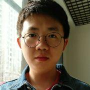 不戴眼镜的郑小二