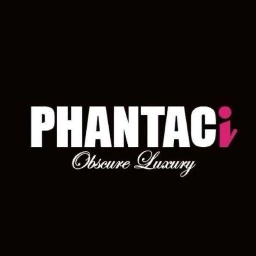 成立於 2006 年的 PHANTACi 是由擁有源源不絕創意靈感的周杰倫以及對於流行產業有著獨到見解的 RIC 共同打造的服裝品牌。設計來自於兩人日常生活點滴,由杰倫提供天馬行空的想法並由 RIC 以最高標準的細節要求將一個個繽紛有趣的創意發想轉化為實際的品項。以兩人都相當喜愛的運動休閒風格融合街頭時尚元素,呈現出 PHANTACi 品牌低調華麗的風格。