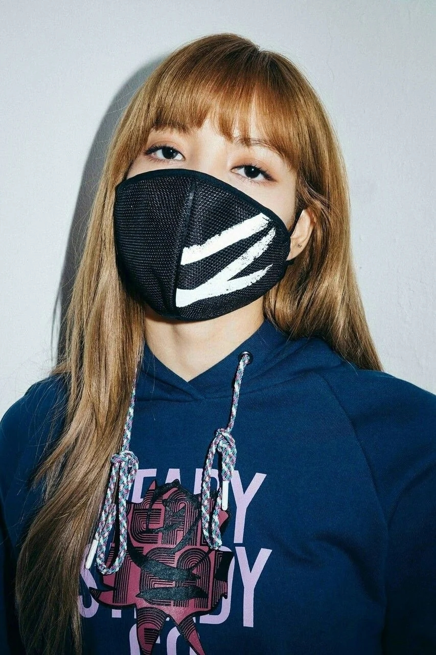魅力无法挡!BLACKPINK成员Lisa戴上口罩依旧美丽!插图(3)