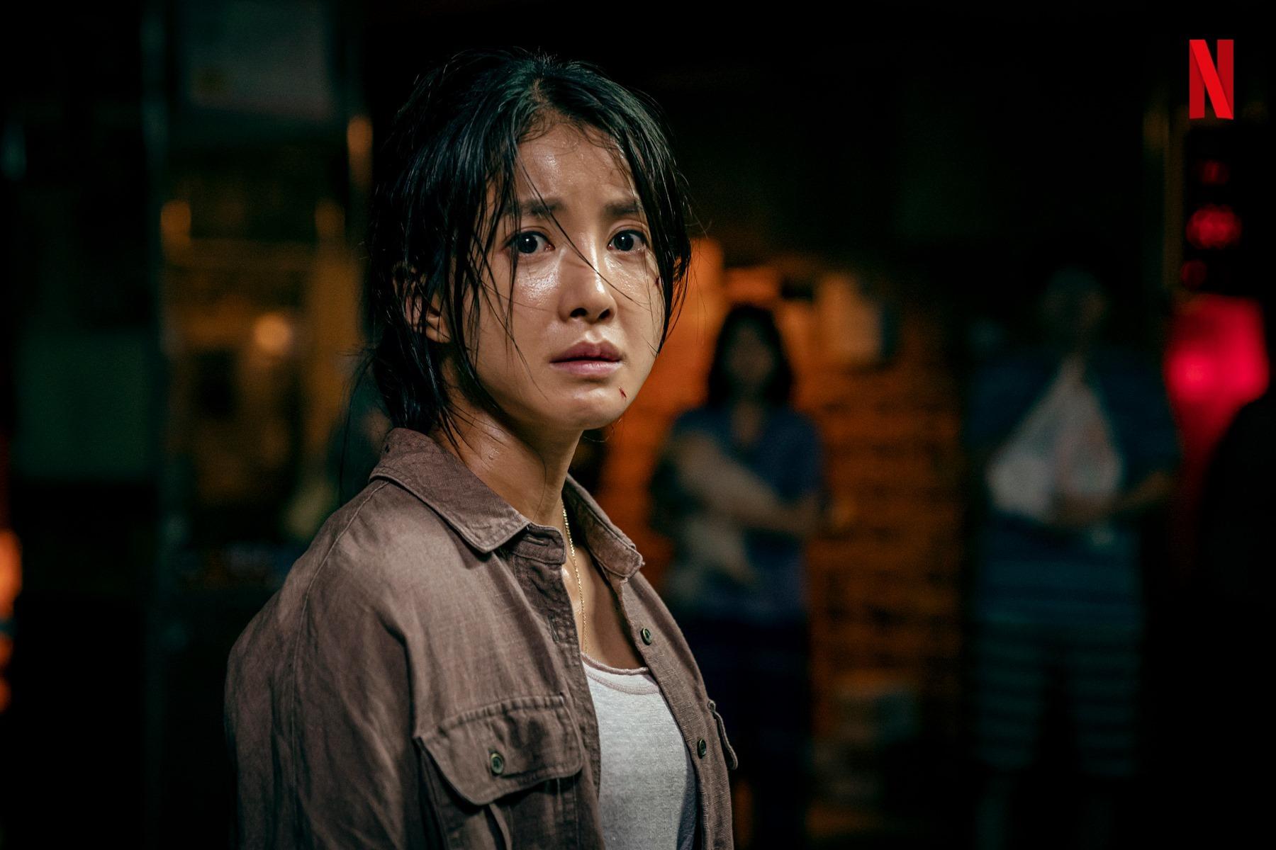 背肌还可以长这样?韩剧《甜蜜家园》演员身材引热议,38岁的她还曾是拳击冠军插图2