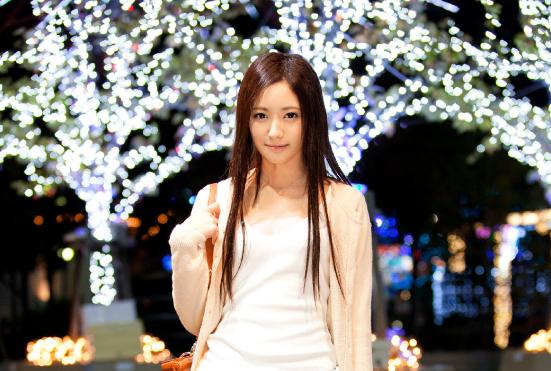 ZEX-201爱波凛凛香:十八岁美少女悄悄地来,悄悄地走 雨后故事 第1张