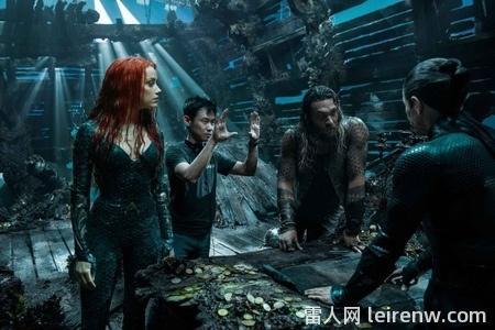 《水行侠 Aquaman》──华丽无边的�I海底史诗