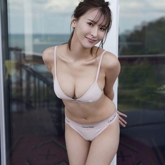 九头身日本甜姐儿奈月Sena性感比基尼美照 福利吧 热图2