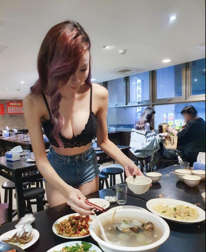 Minnie妮妮和Kami郑琦用餐期间福利不断 艾薇资讯 第3张