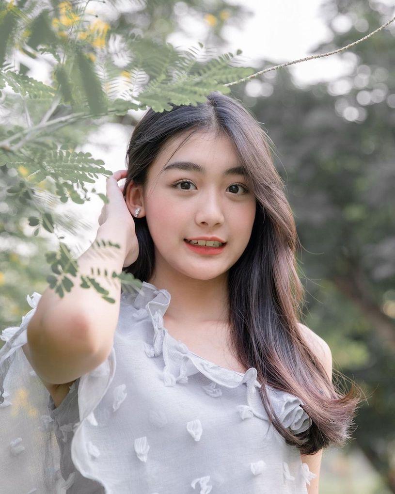 泰国初恋系美女Perthkvsr S曲线好撩人  养眼图片 第1张