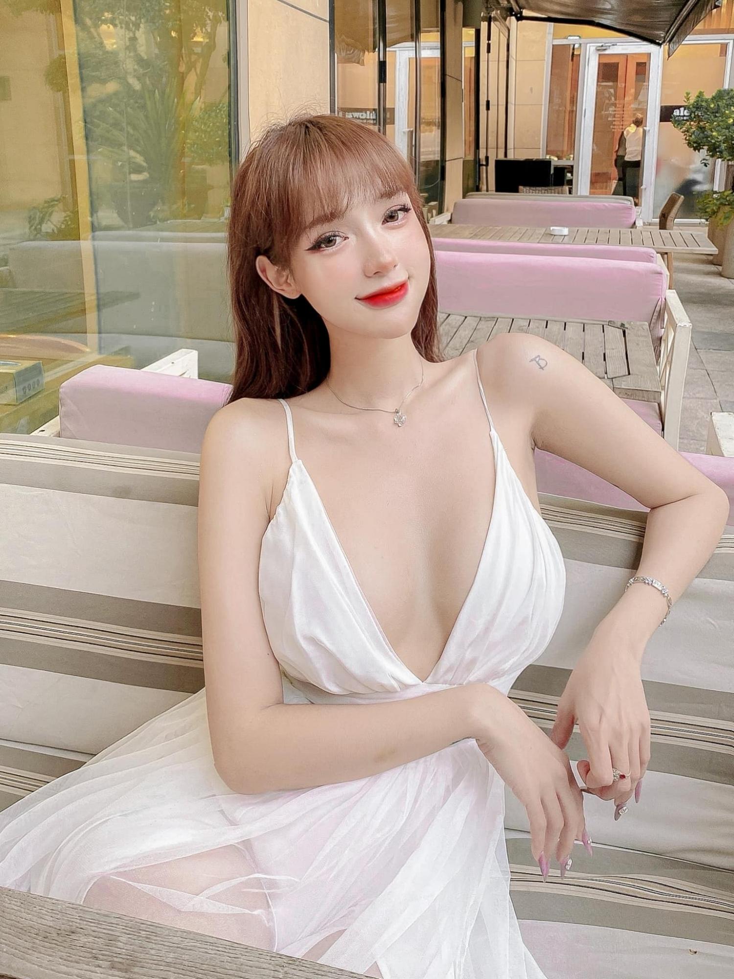 越南正妹mỹm超极品Body好像洋娃娃 养眼图片 第2张