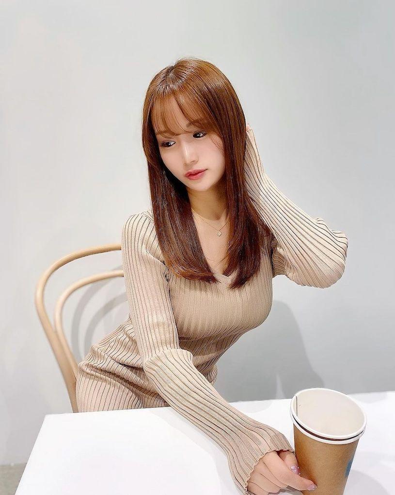 爱吃鼎泰丰的美腿樱花妹,白皙嫩腿让整间店都惊艳. 网络美女 第8张