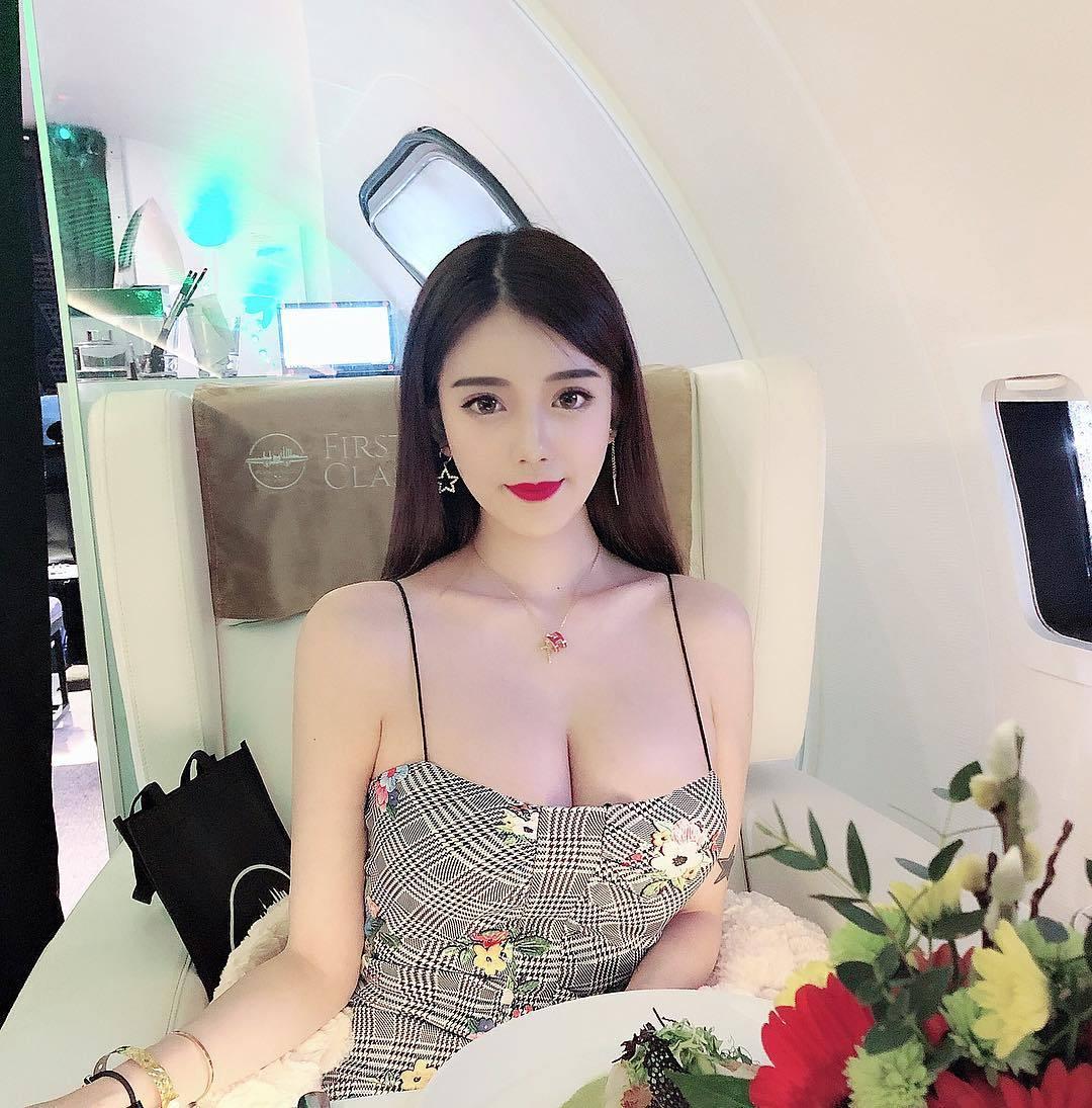 辣妹Candice林梦恬傲人身材美艳外型超极品 吃瓜基地 第4张