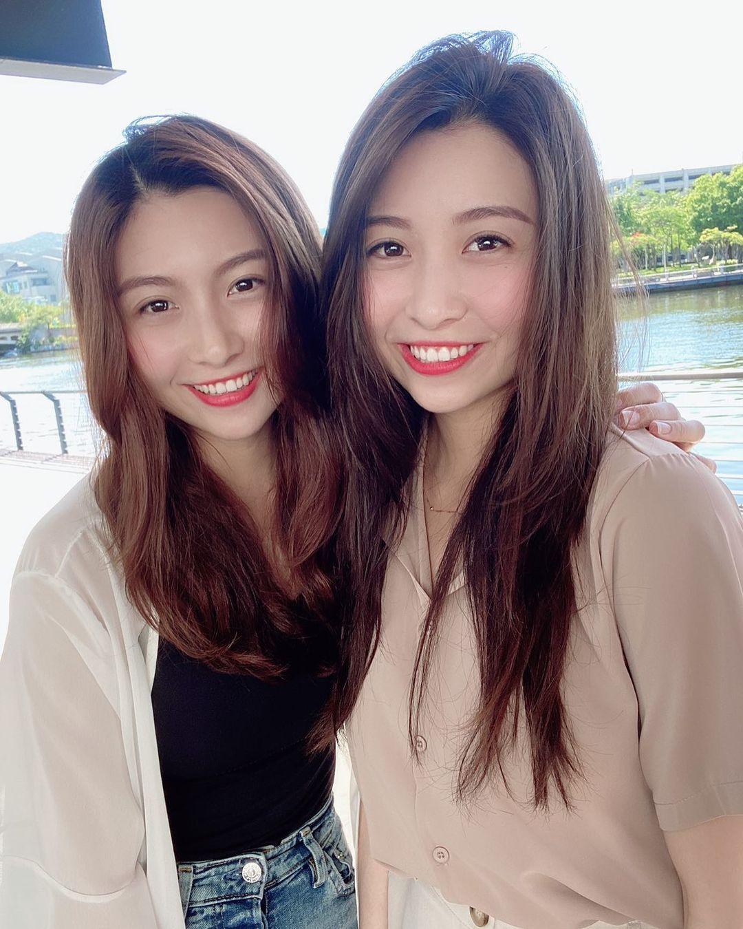超正双胞胎姐妹身材一样火辣网友:要看胸口刺青才能分 养眼图片 第3张