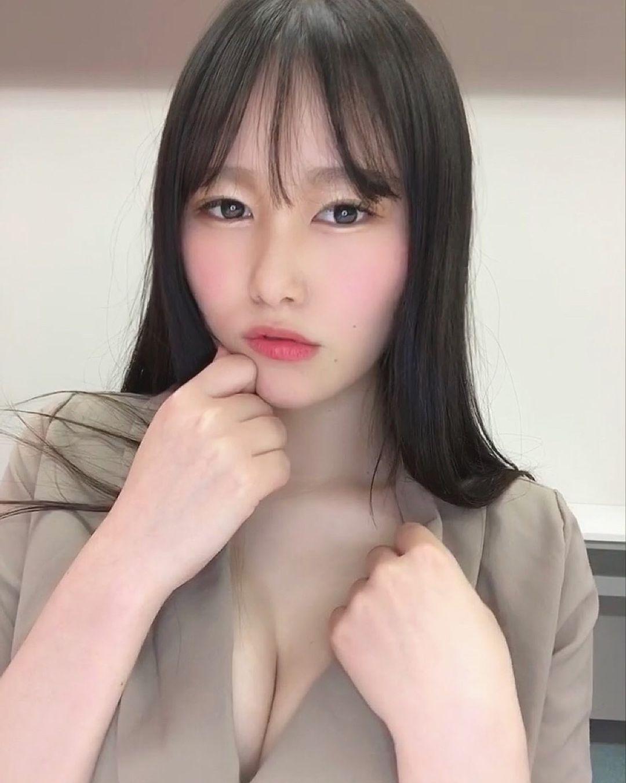 写真逸才!惹火舞者《东坂みゆ》因欧派找到事业的第二春!-新图包