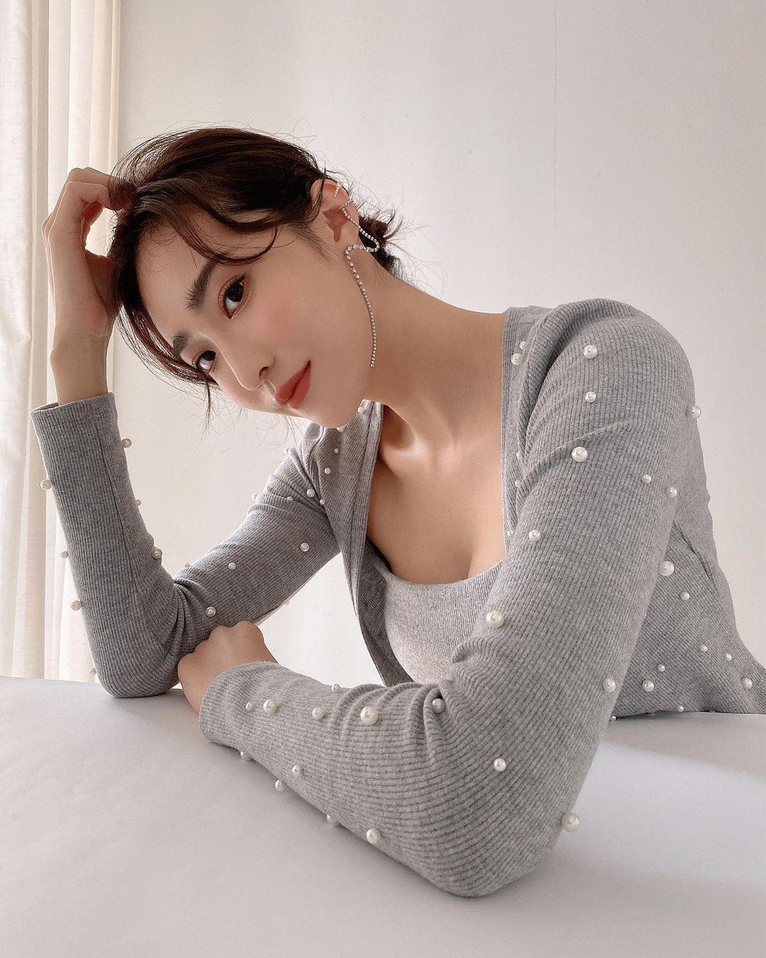 《康熙来了》的表特美女蔡沁妍,高颜值&高学历,外型酷似吴佩慈