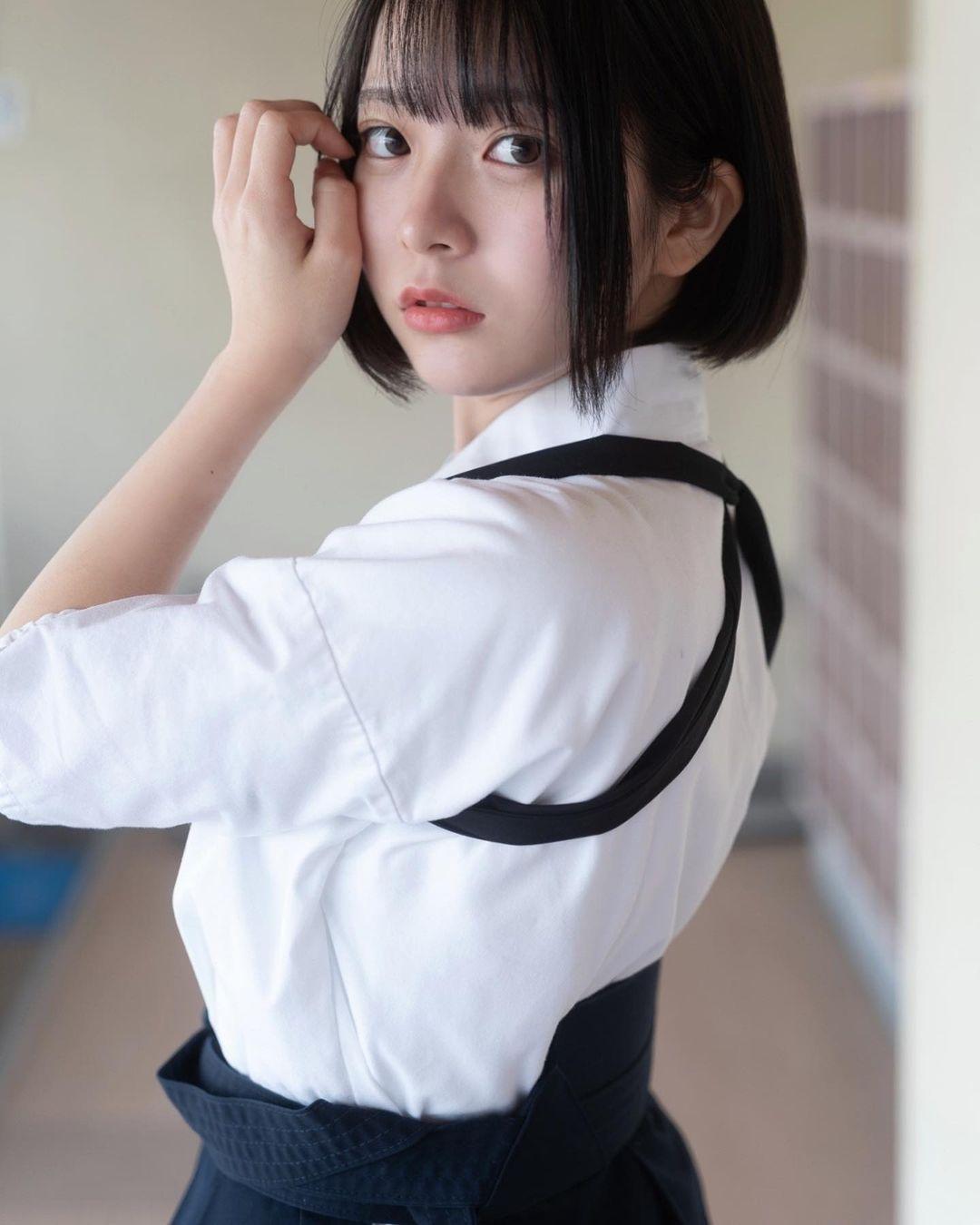 17岁仙女高中生瀬戸りつ绝美长相激似IU 全身散发空灵气质美到有点不真实 养眼图片 第32张