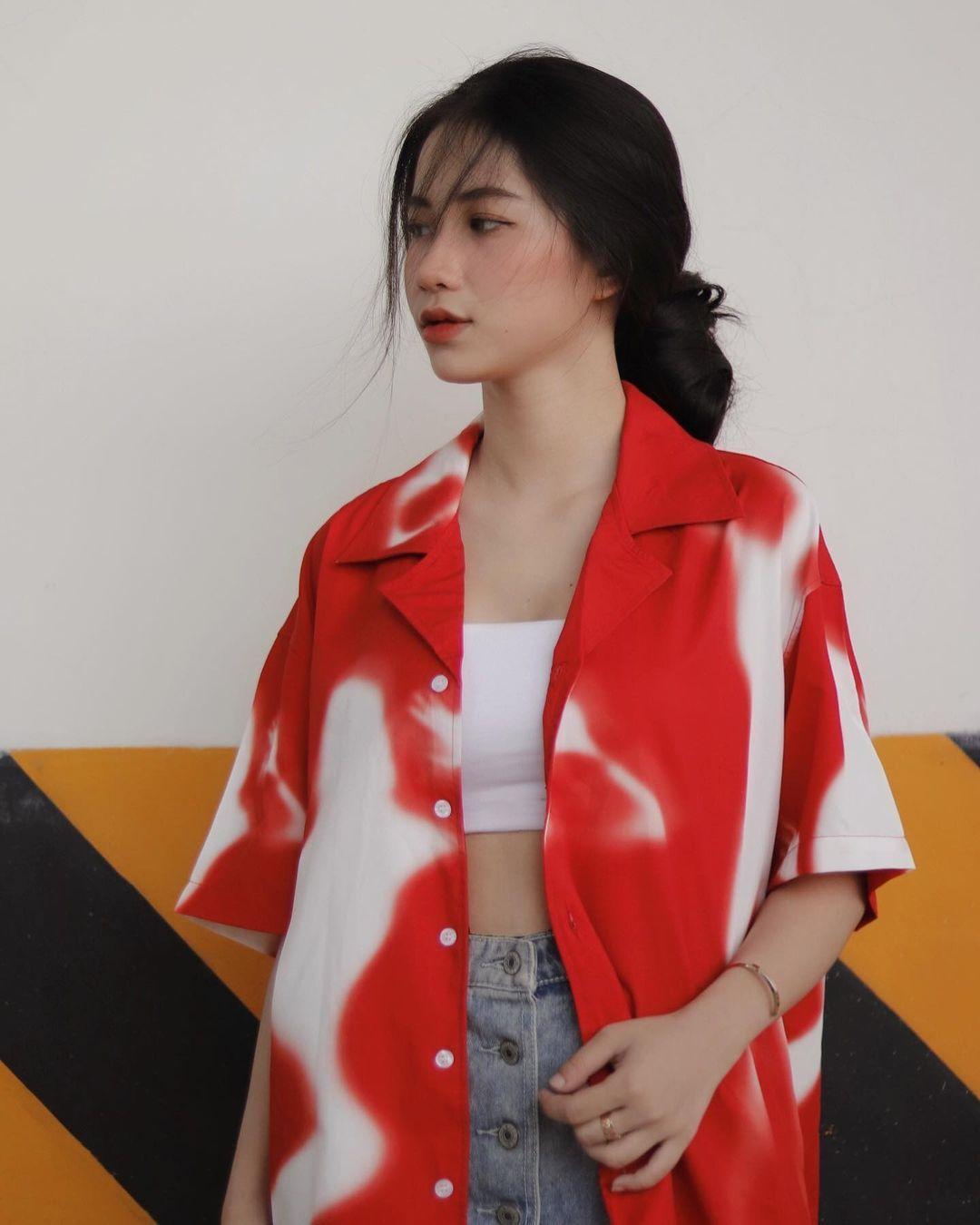 天菜越南妹「Kim Anh」迷蒙眼神仿佛随时在放电空灵气质更是无比疗愈人心 养眼图片 第25张