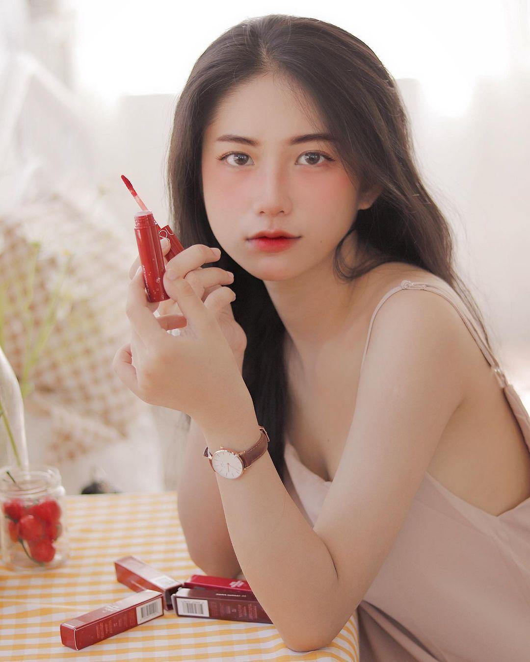 天菜越南妹「Kim Anh」迷蒙眼神仿佛随时在放电空灵气质更是无比疗愈人心 养眼图片 第27张