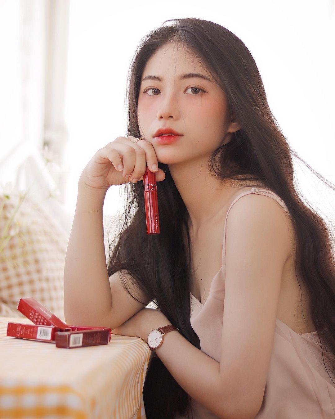 天菜越南妹「Kim Anh」迷蒙眼神仿佛随时在放电空灵气质更是无比疗愈人心 养眼图片 第28张