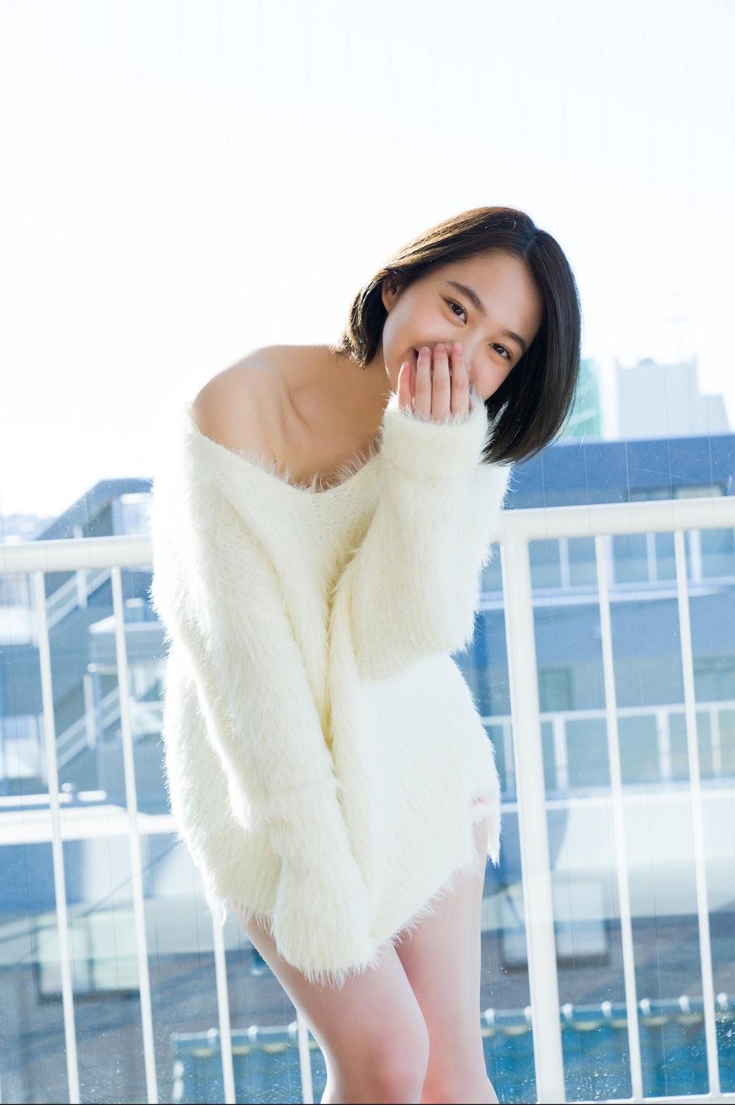 甜甜一笑,心情转好18岁妹新田步凪比基尼解放纤腰、事业线 养眼图片 第6张