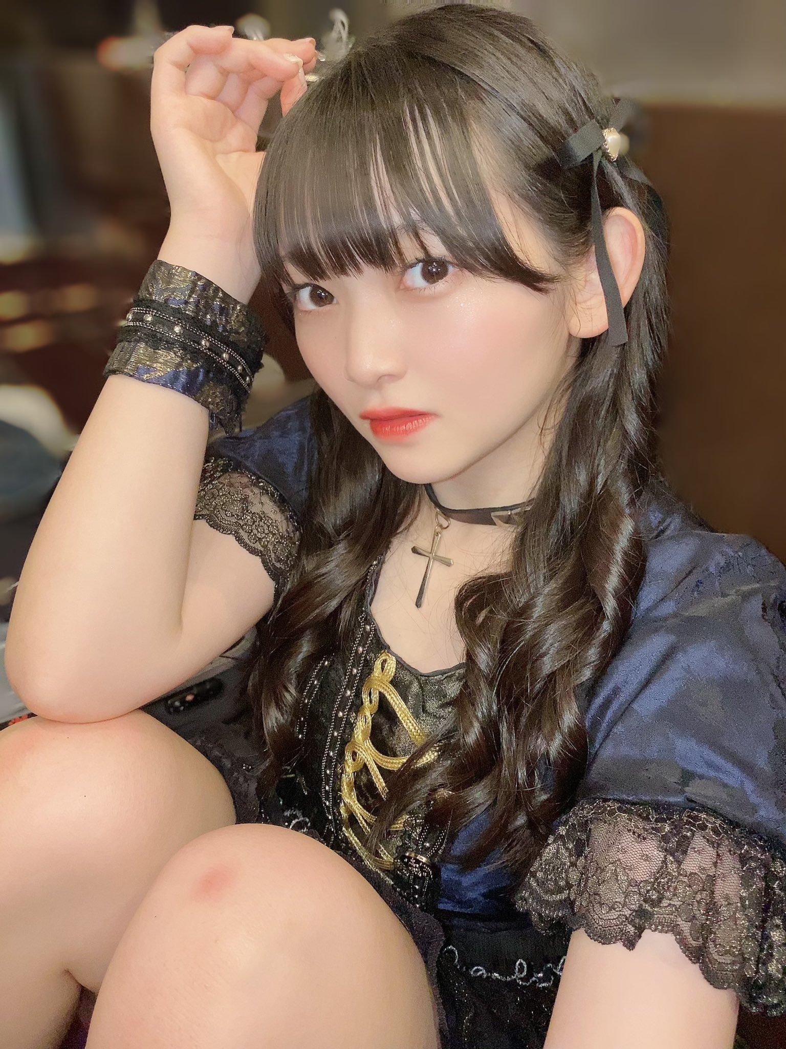 15岁奇迹妹[佐山すずか]外衣展现意外有料的软实力 养眼图片 第3张