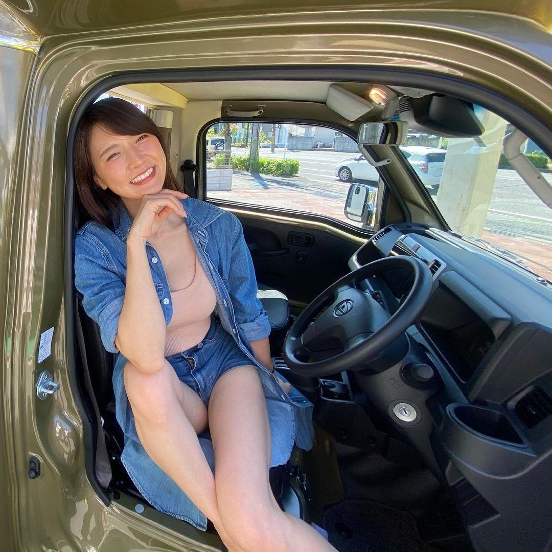 大卡车驾驶あいみ亲自开巴士载粉丝老司机们这次真的得上车了 养眼图片 第4张