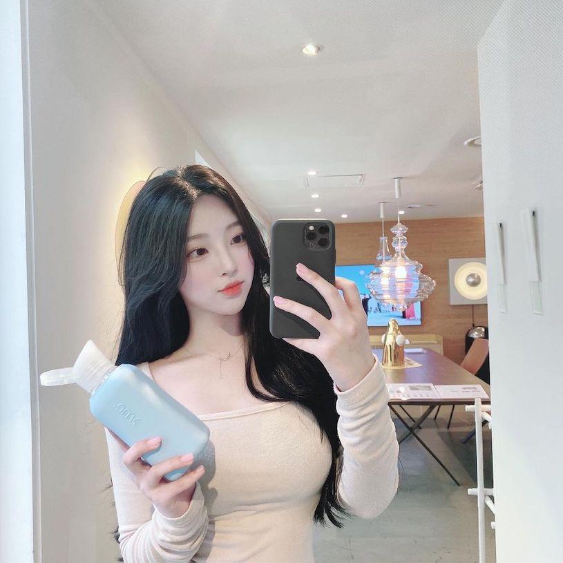 清纯正妹jo0hyun_穿上迷人上衣,到健身房运动曲线太美!-新图包