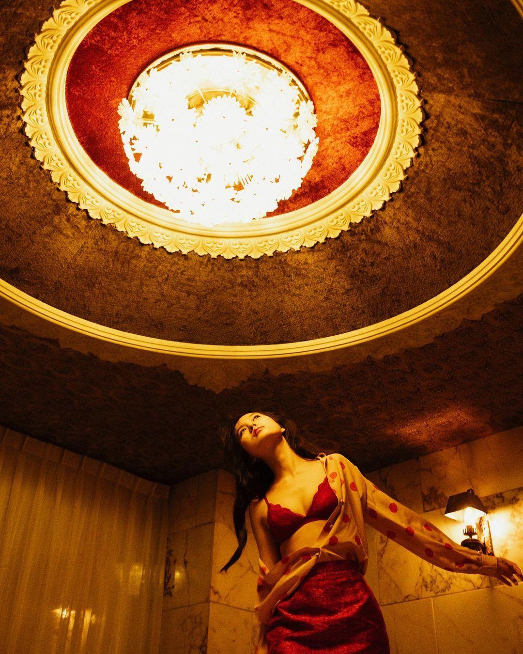 童星出身AV帝王2恒松祐里全luo演出一脱成名复古造型完美诠释昭和性感 养眼图片 第25张