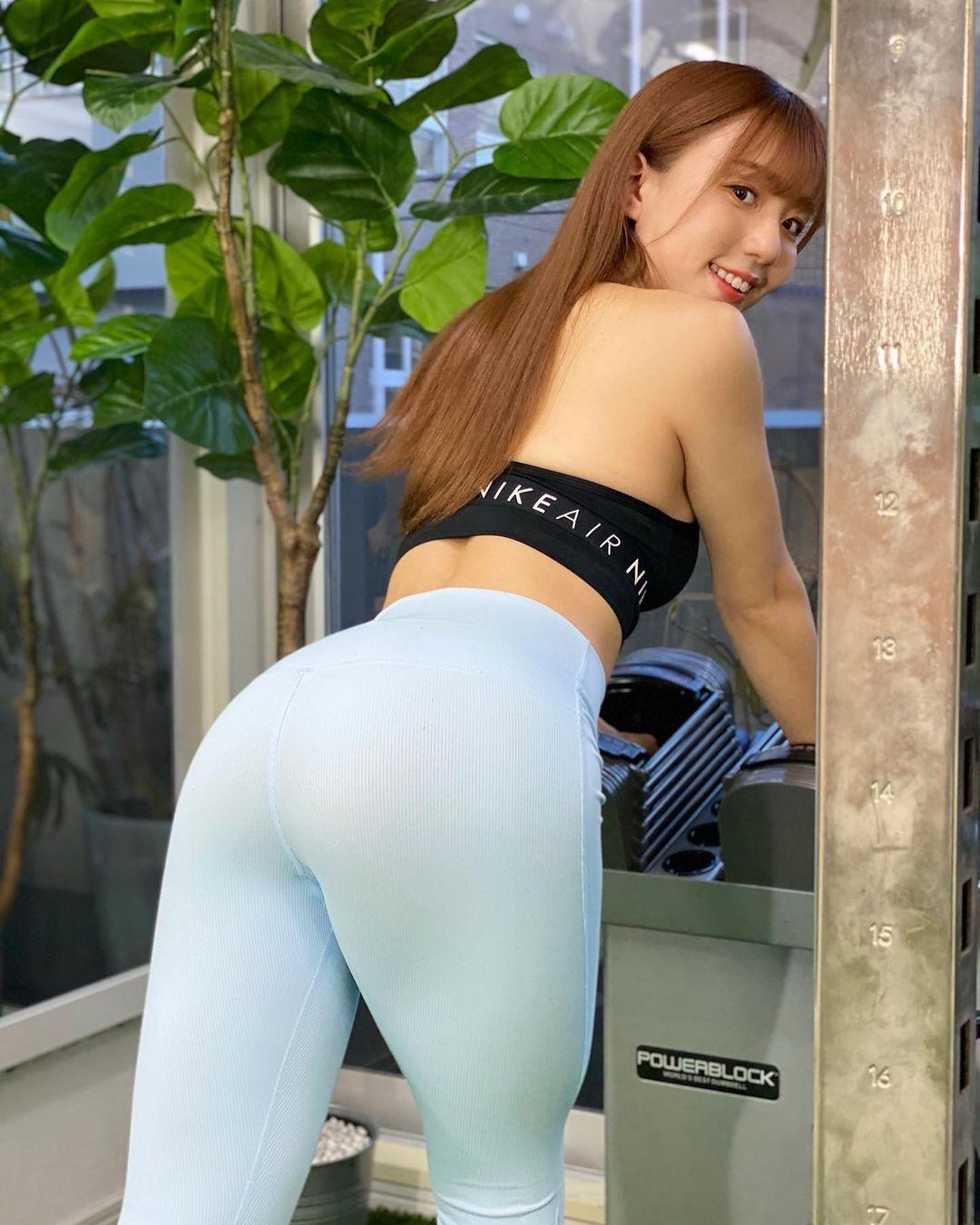 大眼天菜甜心日野麻衣超紧瑜珈裤美臀完美凸显 养眼图片 第6张