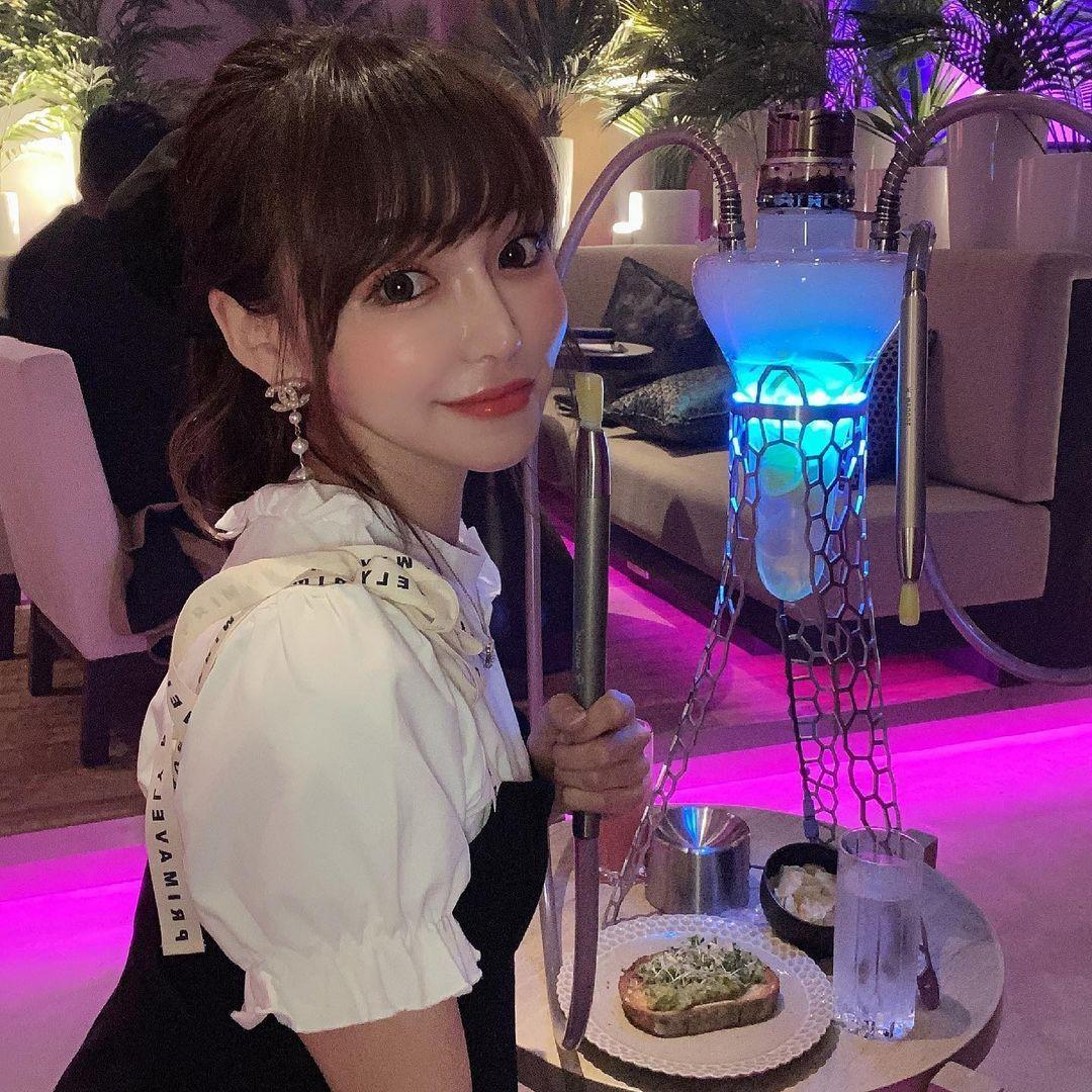 150cm甜美正妹是现役药剂师 网友光看就恋爱 美女动图 第4张
