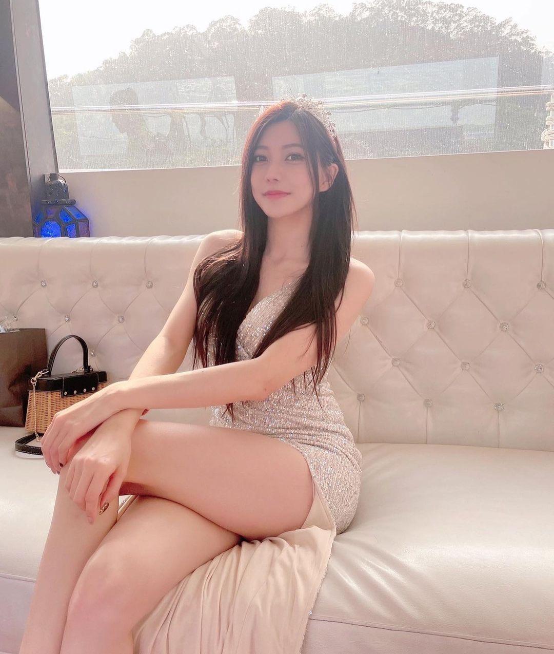 台北街头的「玉兰花美女」打扮火辣超养眼,网友热情表示:买到你提早下班. 养眼图片 第9张