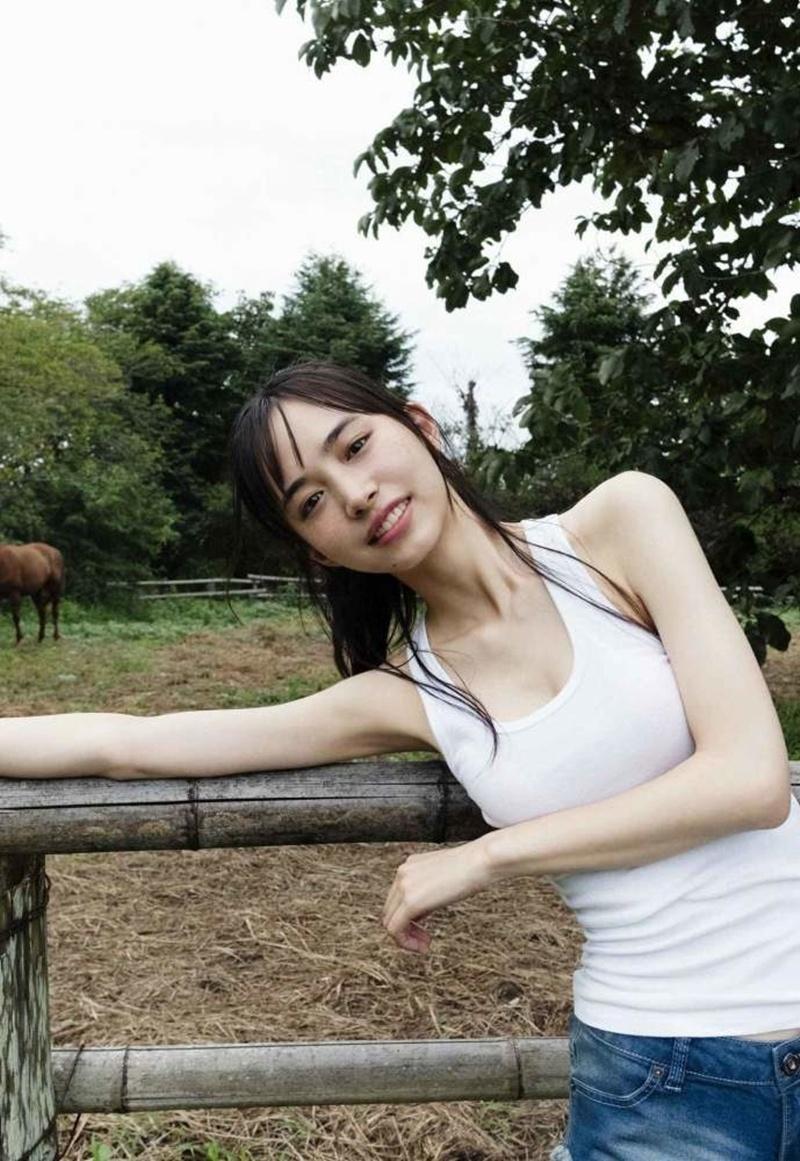 令和最性感假面骑士井桁弘恵170公分高挑曲线让人羡慕 网络美女 第4张