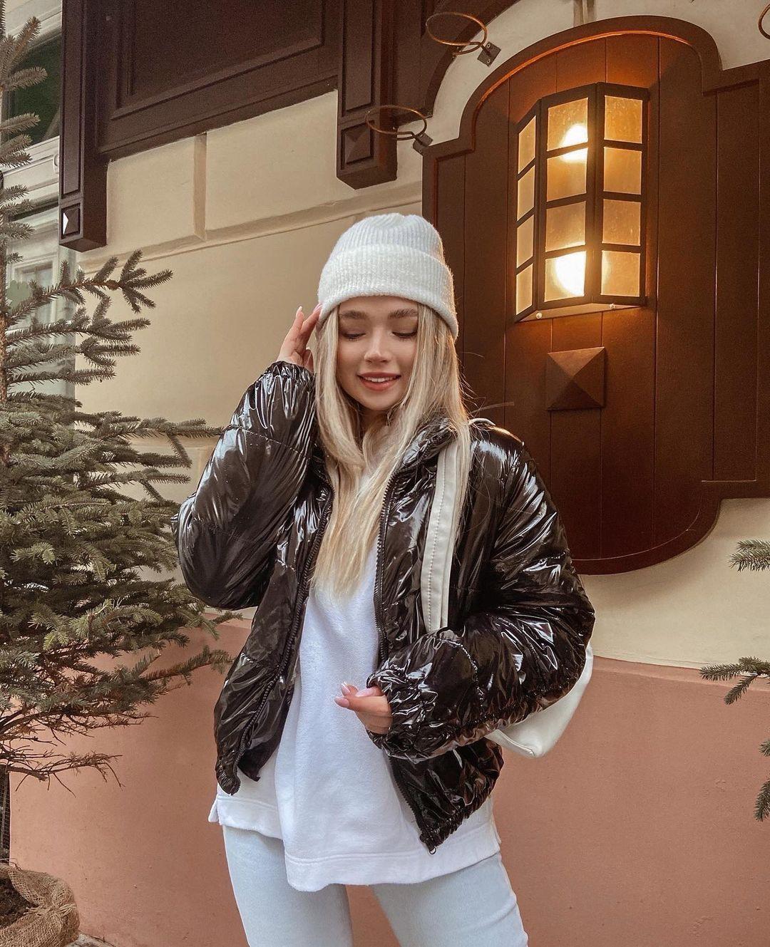 乌克兰妹总是不让人失望 时尚穿搭配高级颜... 个头娇小爆发名模气场 养眼图片 第3张