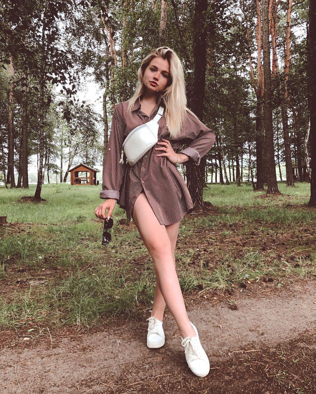 乌克兰妹总是不让人失望 时尚穿搭配高级颜... 个头娇小爆发名模气场 养眼图片 第8张