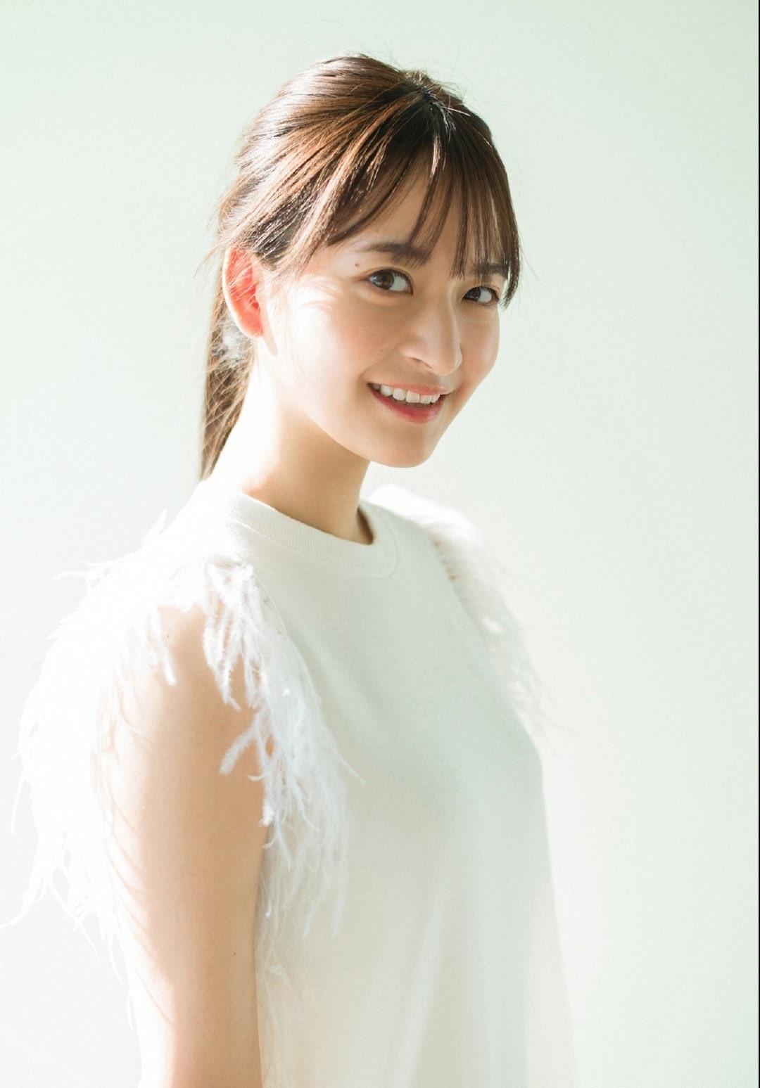 金川纱耶 网络美女 第2张