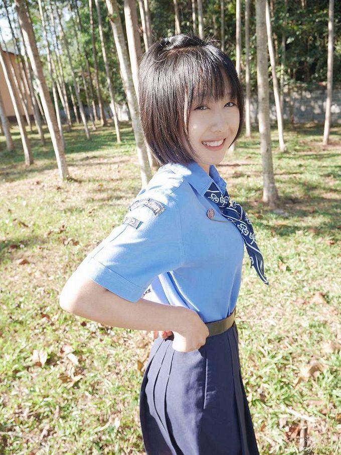泰国超人气牙套美少女Mintra Dingdong_1