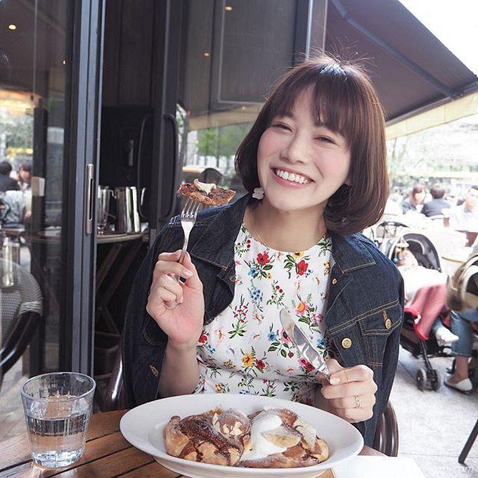 笑容太治愈,日本OL美女石井里奈满满正能量_12