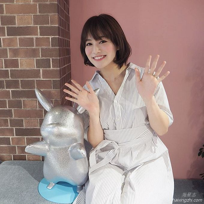 笑容太治愈,日本OL美女石井里奈满满正能量_20