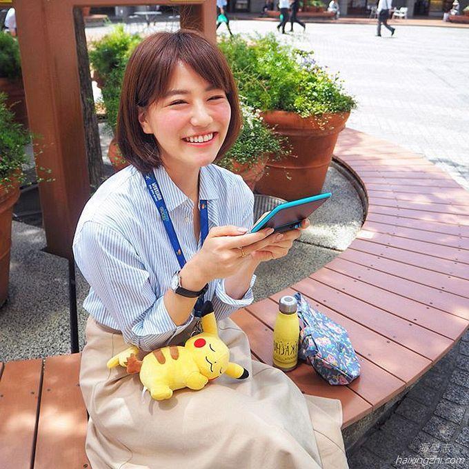 笑容太治愈,日本OL美女石井里奈满满正能量_27