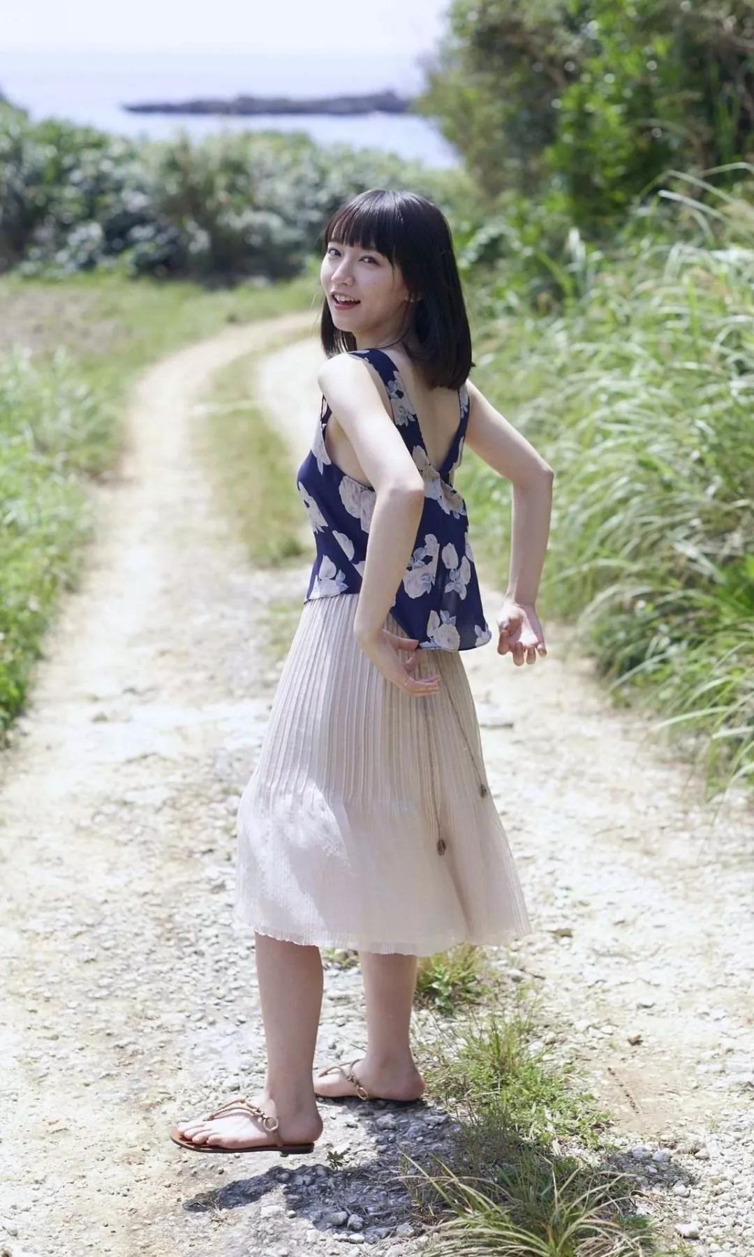吉冈里帆 写真集Riho (12)
