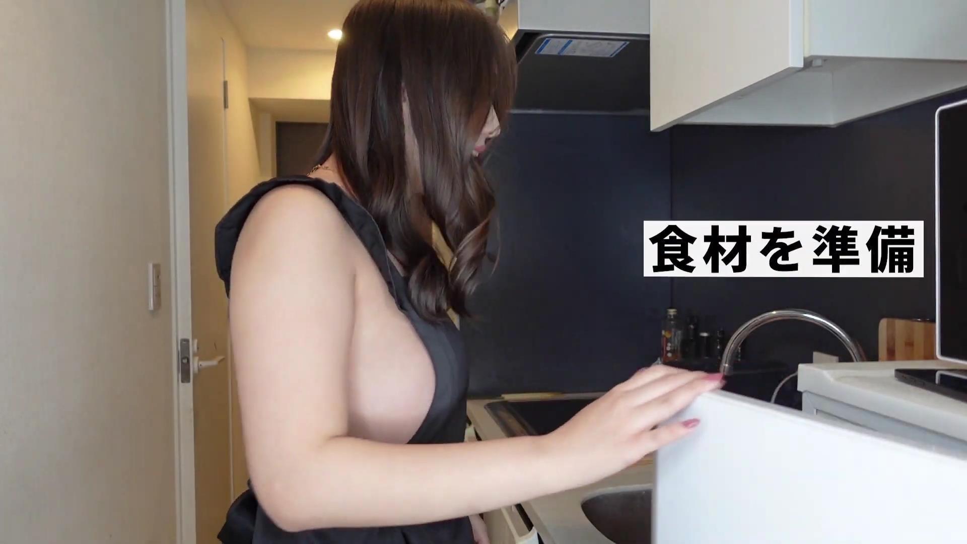 裸体围裙 Youtube 美食博主 水咲优美