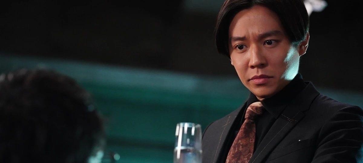 法制咖小出惠介时隔四年复出出演《酒癖50》感觉极具讽刺性 (7)