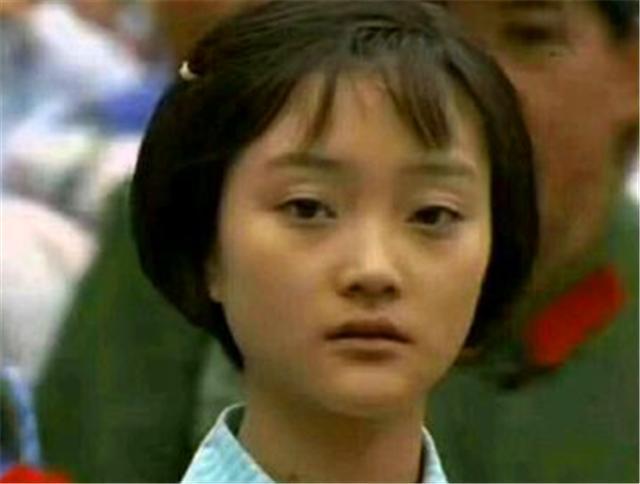 电影《天浴》文革女知青在时代洪流下的个人努力多么苍白无力 (3)