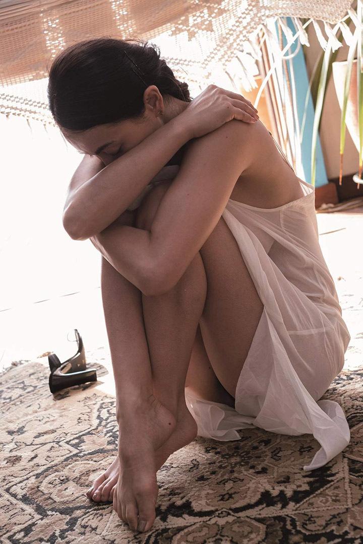 16年后长谷川京子首次推出美魔女性感写真作品展现妖娆魅力 (3)