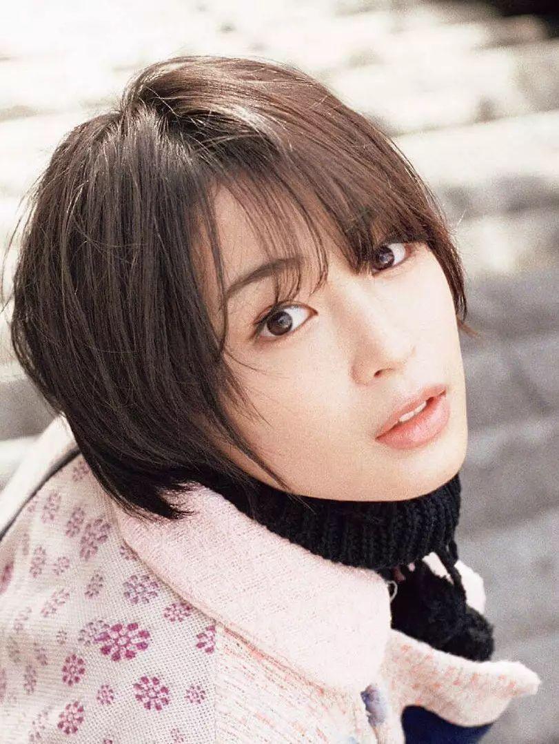 20神颜美少女却黑历史比较多的广濑丝丝写真作品 (55)