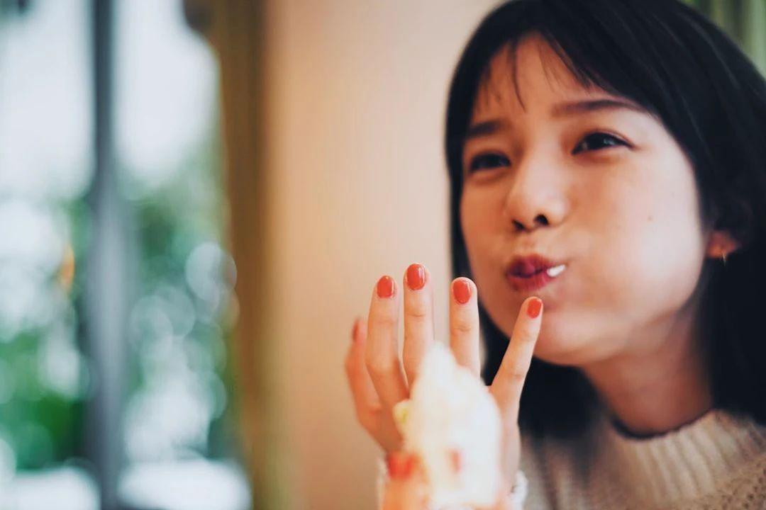 永远一张娃娃脸的棉花糖女孩弘中绫香写真作品 (11)