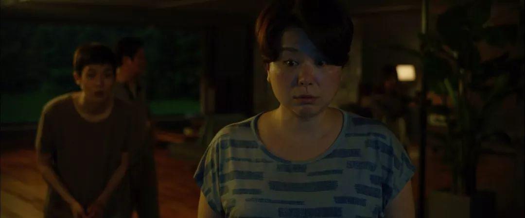 韩国电影《寄生虫》谎言说多了便会迷失自己,且会因此而失去原本就岌岌可危的尊严 (4)