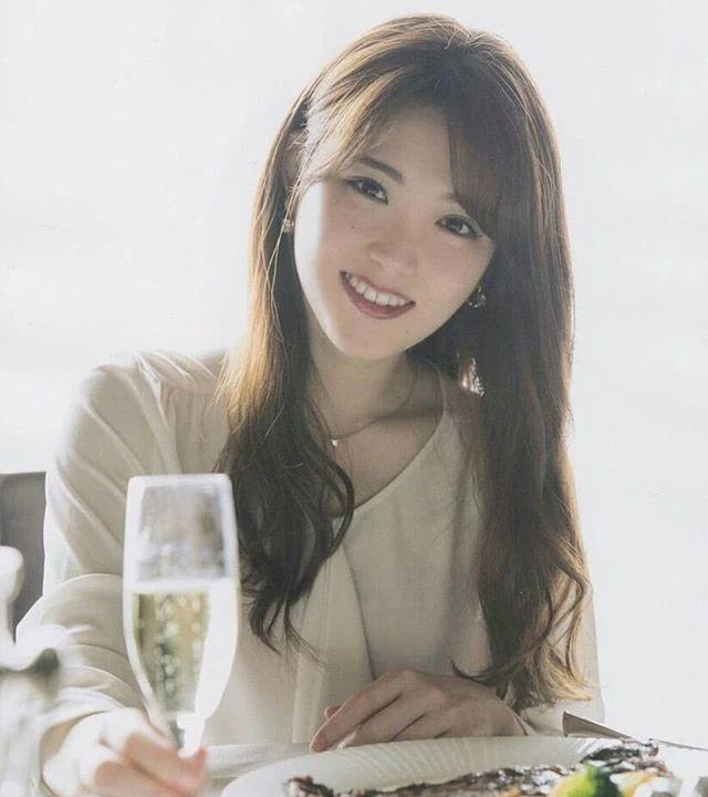 乃木坂46一期成员松村沙友理在直播节目中宣布毕业消息 (8)