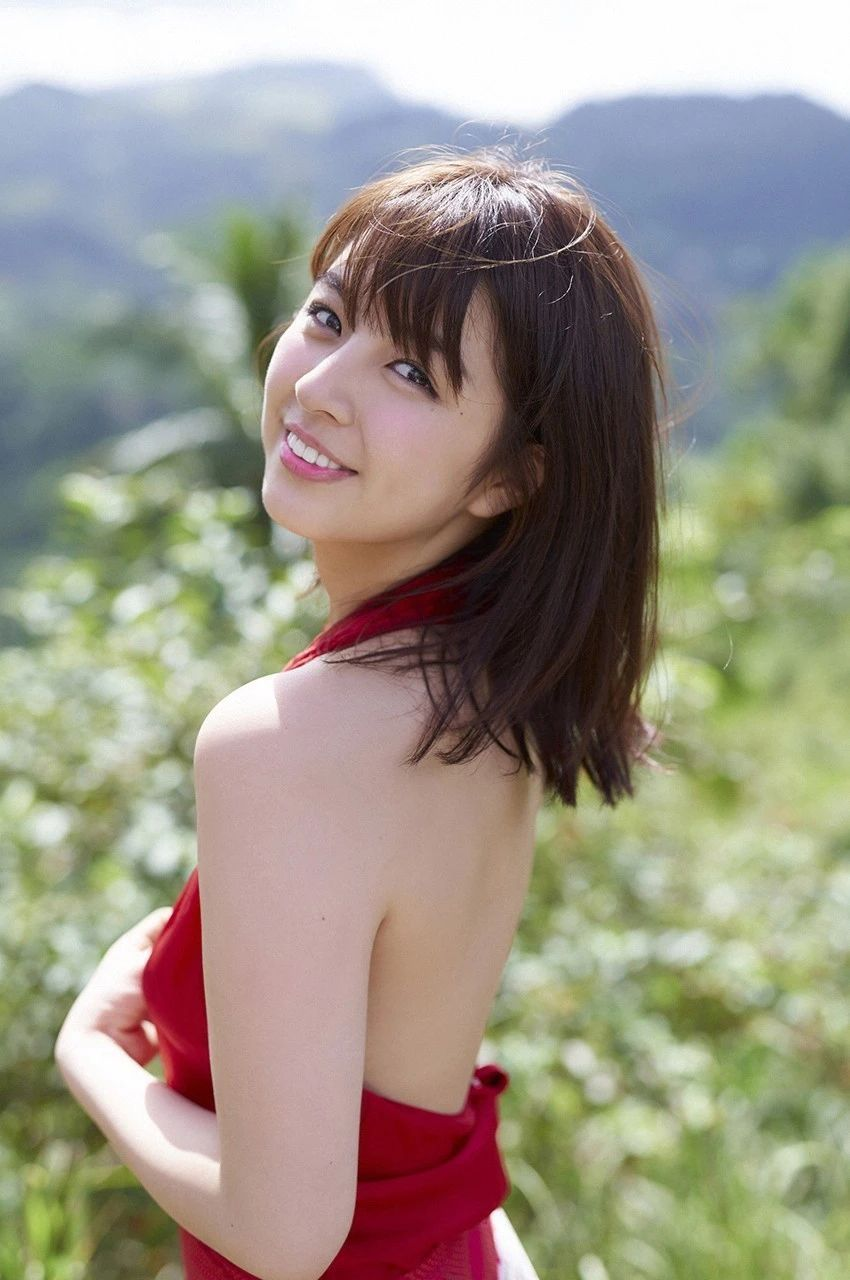 又欲又纯的封面女王柳百合菜写真作品 (5)