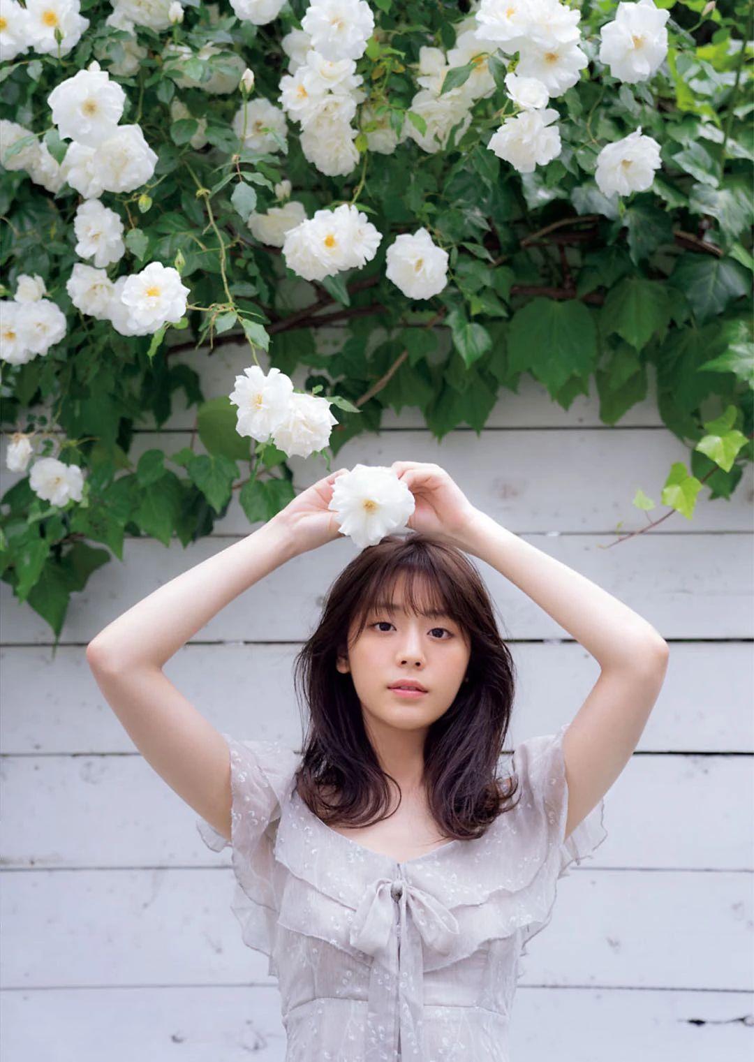 甜美无比的天气女郎贵岛明日香写真作品 (28)