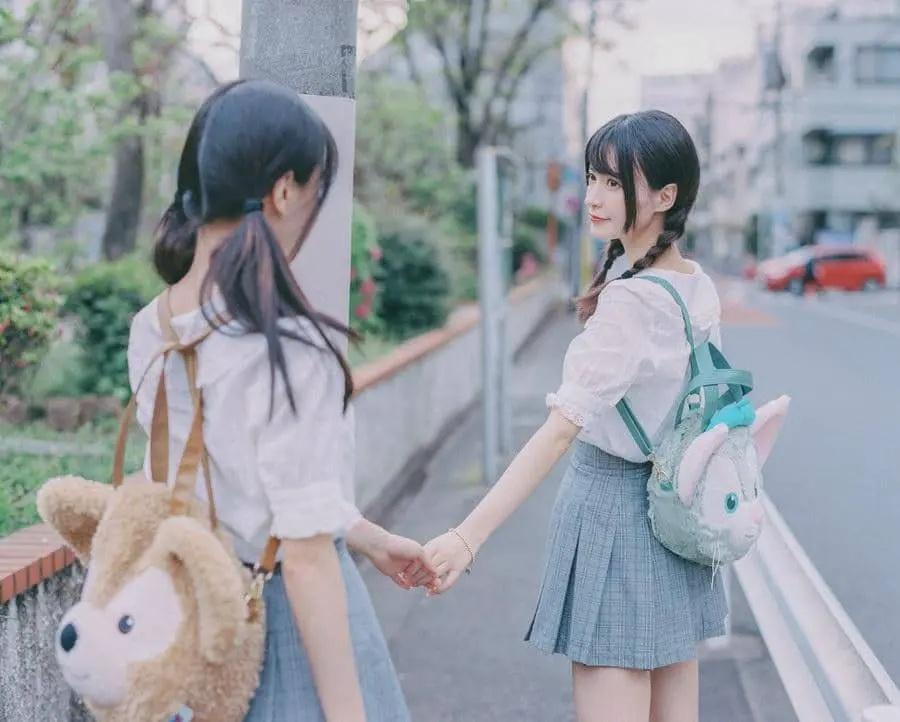 B站UP主果哝双子让你们享受双倍的美好双倍的快乐 (6)