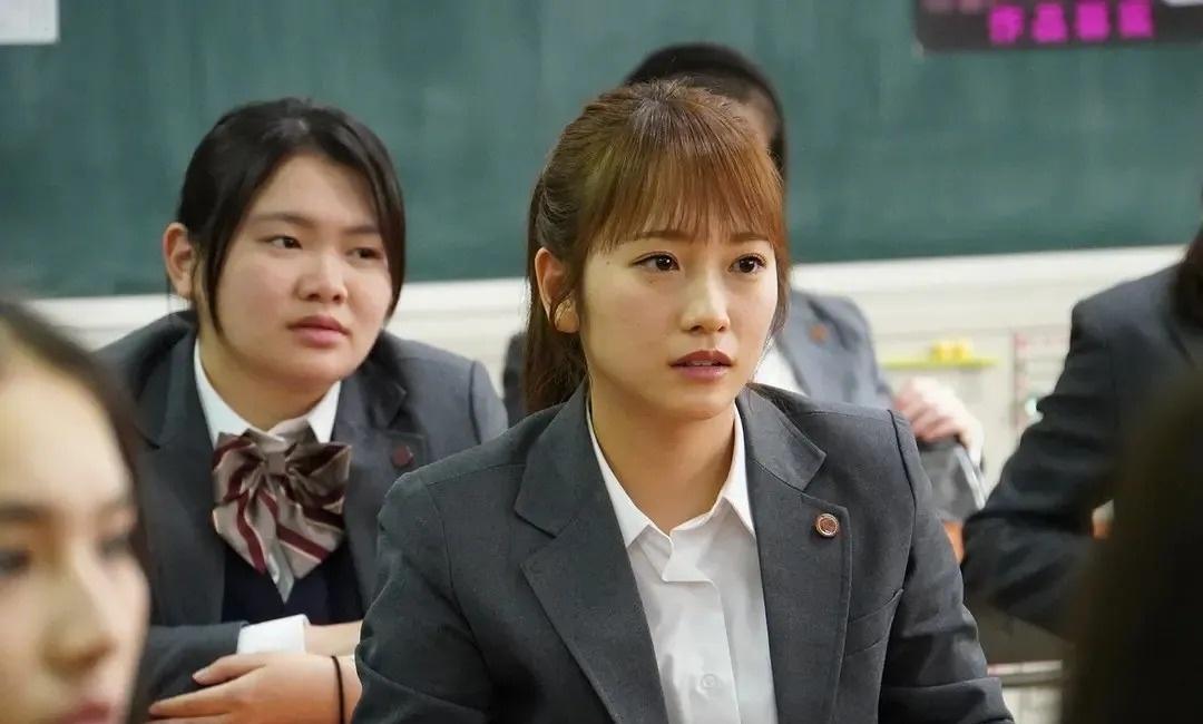 日本明星川荣李奈用自己亲身事实来证明并且所以的英年早婚都会毁事业 (10)